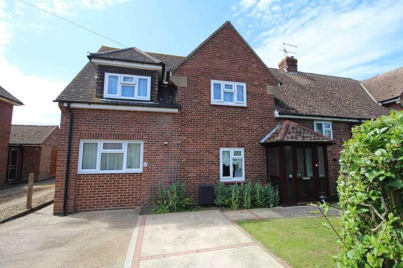4 Bedrooms Semi Detached House for sale in West House Estate, Southminster