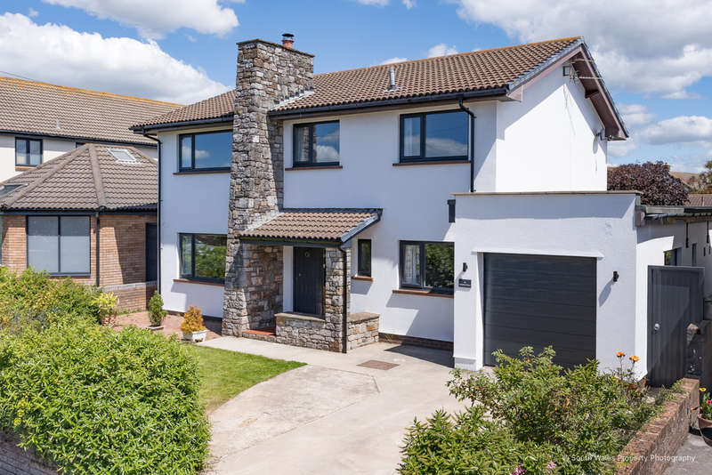 4 Bedrooms Detached House for sale in 16 Stratford Drive, Porthcawl, Bridgend County Borough, CF36 3LG