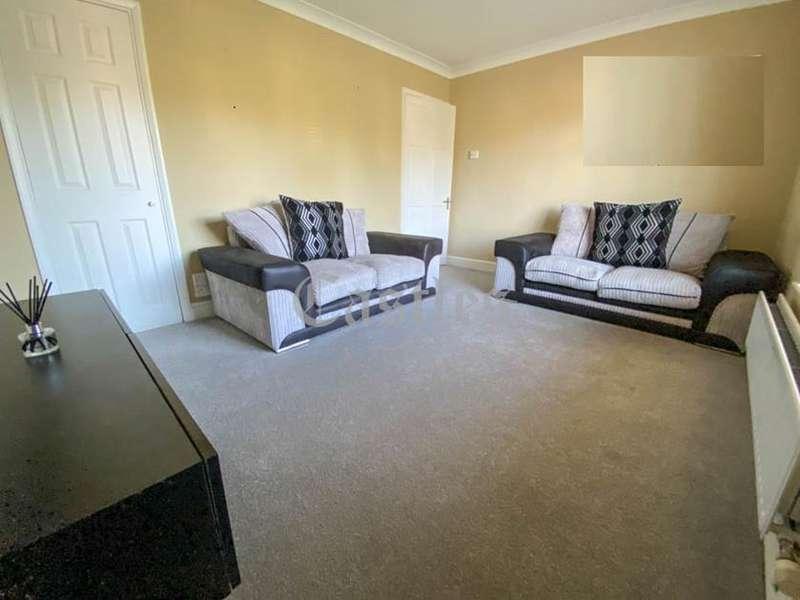 1 Bedroom Flat for sale in St Leonards Road, Waltham Abbey, Essex, EN9
