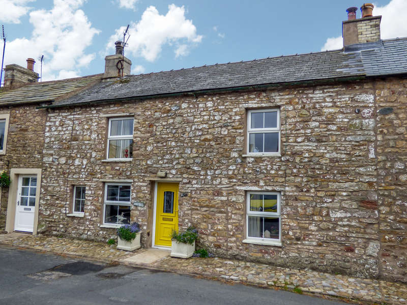 2 Bedrooms Cottage House for sale in Four Trees Cottage, Church Brough