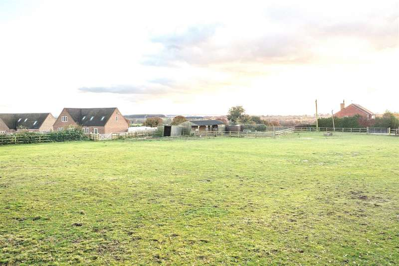 4 Bedrooms Detached House for sale in Field View, Sealwood Lane, Overseal,