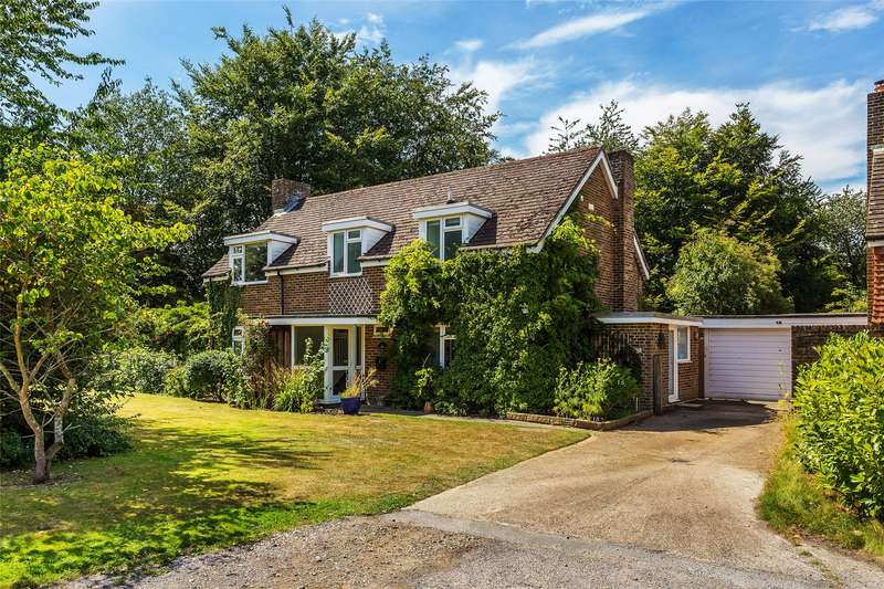 4 Bedrooms Detached House for sale in Sheephouse Green, Wotton, Dorking, Surrey, RH5