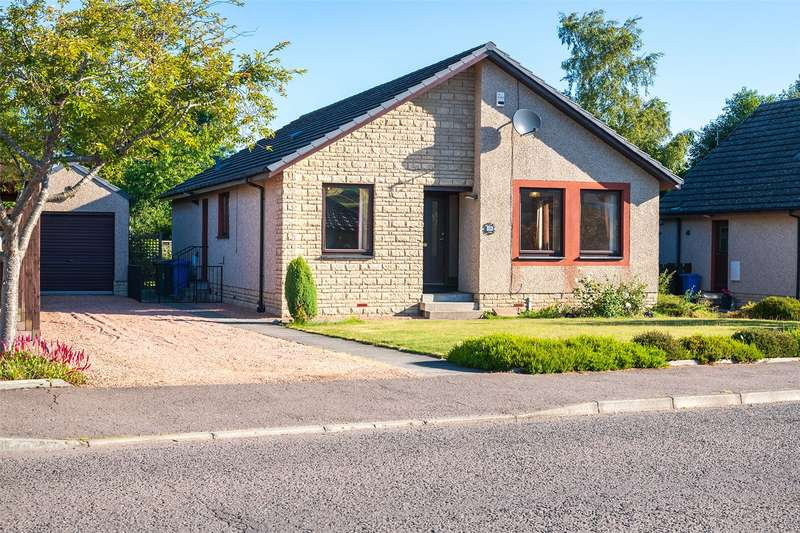 3 Bedrooms Detached House for sale in 19 Robertson Road, Cupar, Fife, KY15