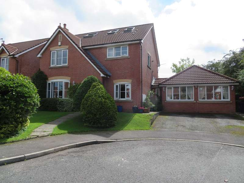 5 Bedrooms Detached House for sale in Dodd Croft, Rochdale
