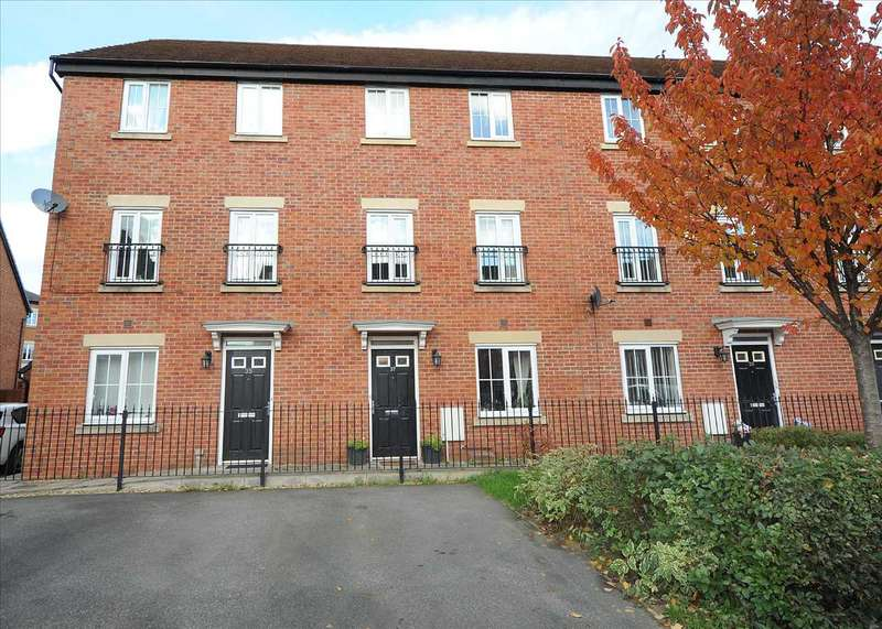 4 Bedrooms Town House for sale in 37 Lorna Way, Irlam M44 6GJ