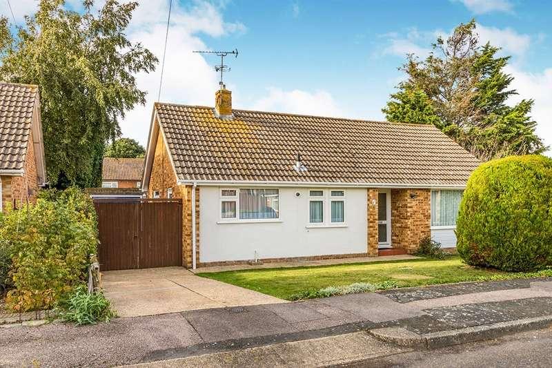 2 Bedrooms Detached Bungalow for sale in Cooden Close, Rainham, Gillingham, Kent, ME8