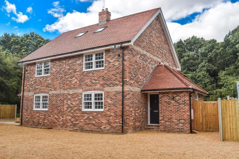 4 Bedrooms Semi Detached House for sale in Hedingham Road, Gosfield, Halstead