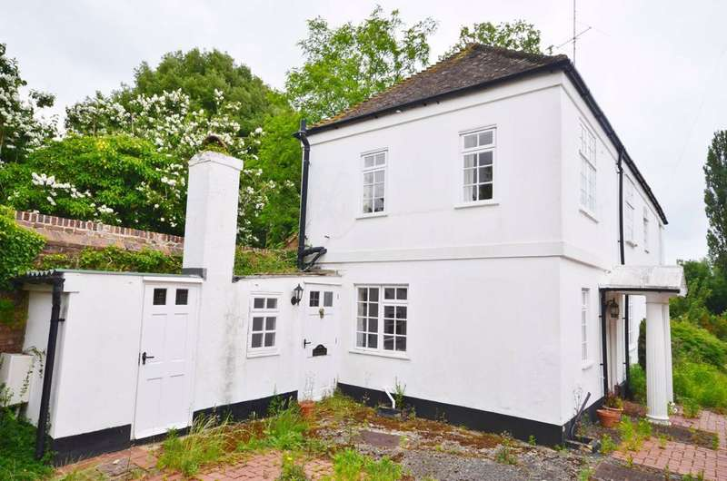 5 Bedrooms Detached House for sale in West Street, Farnham