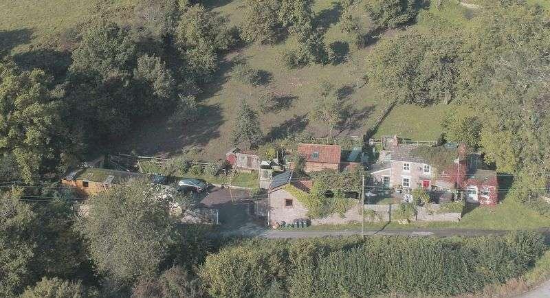 4 Bedrooms Property for sale in Paddock House, Blakeney