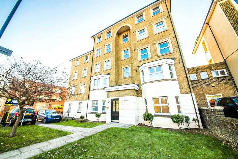2 Bedrooms Flat for sale in Pioneer Court, Overcliffe, Gravesend, Kent, DA11