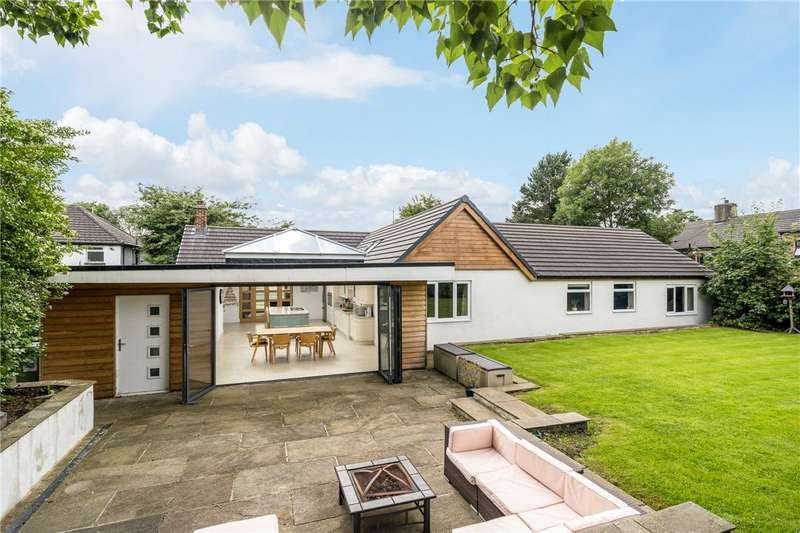 5 Bedrooms Detached Bungalow for sale in Waterloo Road, Pudsey, West Yorkshire