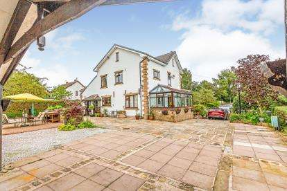 4 Bedrooms Detached House for sale in Cromwell Road, Fulwood, Preston, Lancashire, PR2