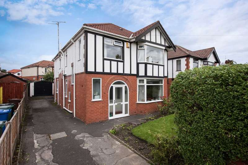 4 Bedrooms Detached House for sale in Brooklands Road, Prestwich
