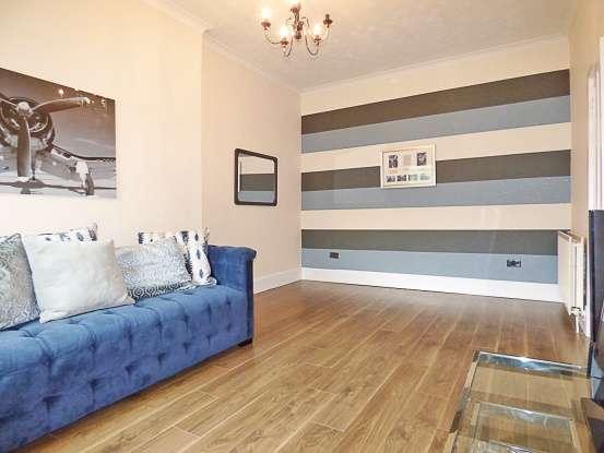 1 Bedroom Flat for sale in Holytown Road, Bellshill, Lanarkshire, ML4 1EE