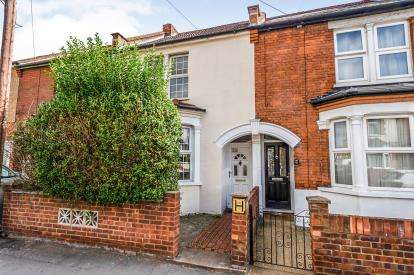 3 Bedrooms Terraced House for sale in Queens Avenue, Watford, Hertfordshire