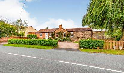 3 Bedrooms Equestrian Facility Character Property for sale in Knayton, Thirsk, North Yorkshire, United Kingdom