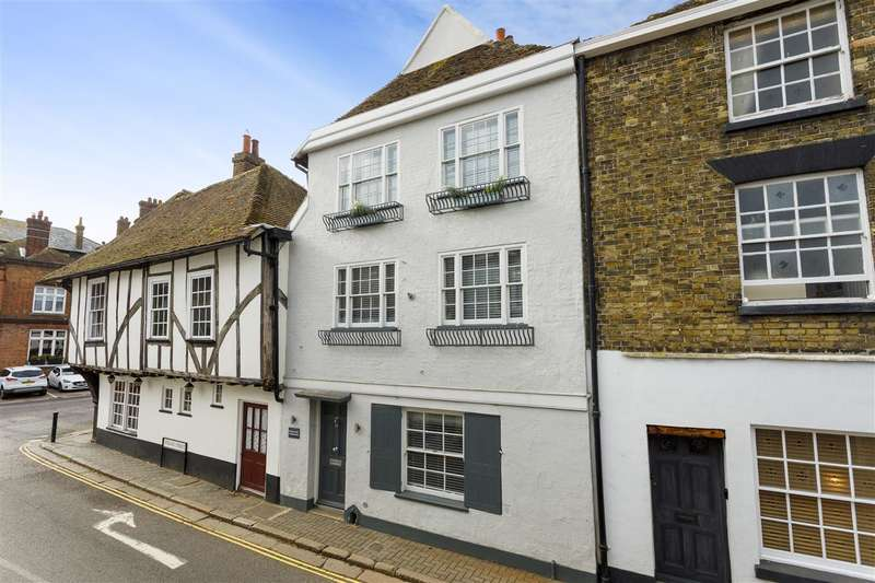 4 Bedrooms Town House for sale in Strand Street, Sandwich