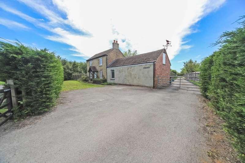 4 Bedrooms Detached House for sale in Little Billington