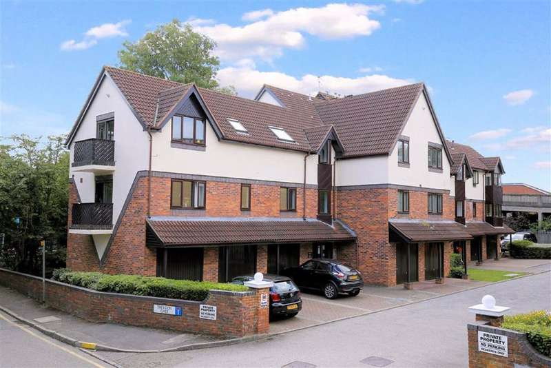 1 Bedroom Flat for sale in Theydon Gate, Station Approach, Theydon Bois
