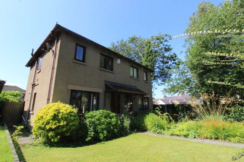 2 Bedrooms Semi Detached House for sale in Wyresdale Road, Lancaster, Lancashire, LA1