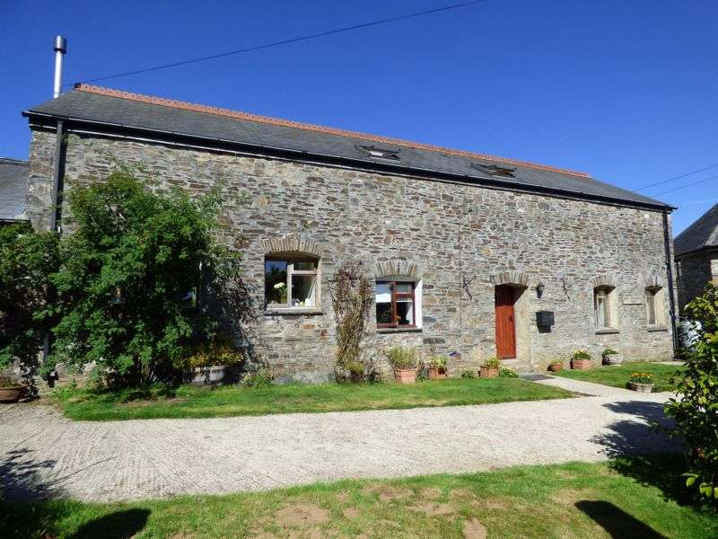 3 Bedrooms Property for sale in SET UP A TRACK TUCKED AWAY - CALLINGTON