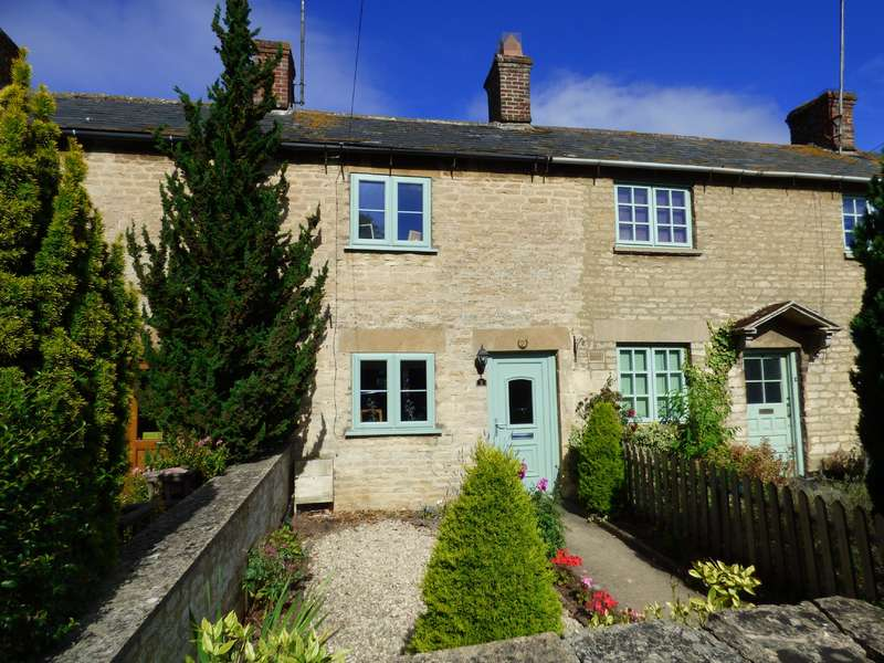 2 Bedrooms Property for sale in Railway Terrace, Lechlade