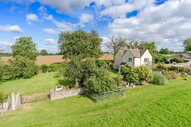 3 Bedrooms Detached House for sale in Castle Combe