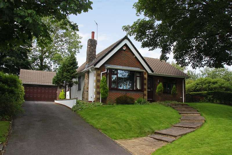 3 Bedrooms Bungalow for sale in Woodlea Chase, Darwen, BB3 2TP