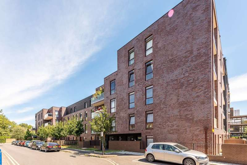 3 Bedrooms Flat for sale in Gibson Road, Kennington, SE11