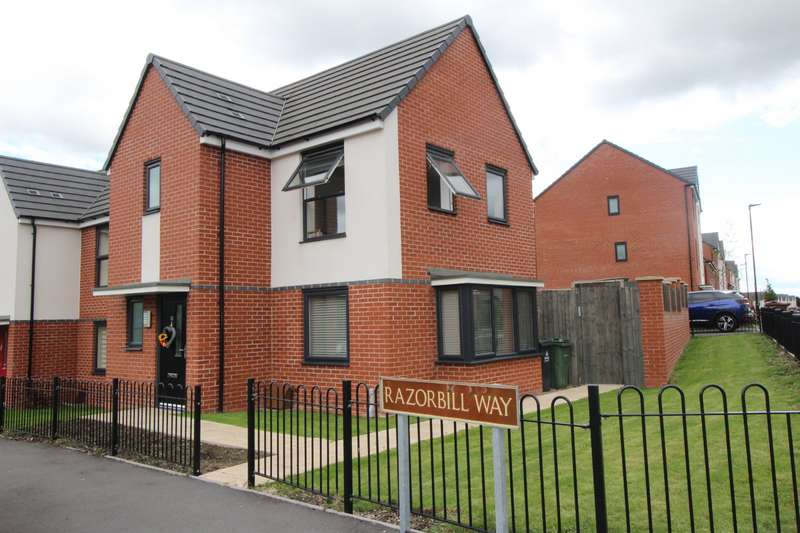 3 Bedrooms Semi Detached House for sale in Razorbill Way, Walsall, West Midlands, WS3