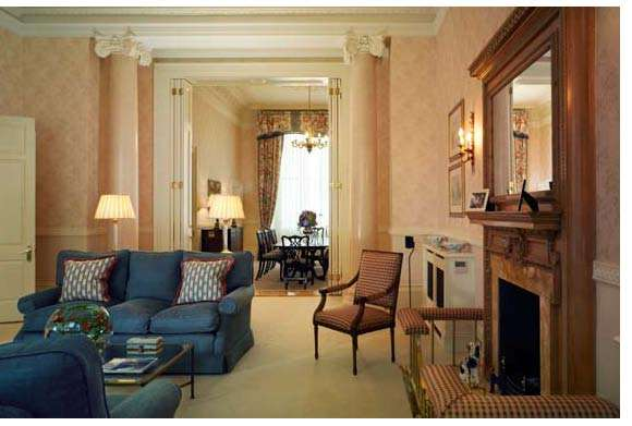 3 Bedrooms Flat for rent in HYDE PARK GATE, London, SW7