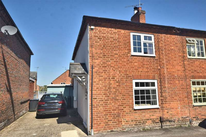 2 Bedrooms End Of Terrace House for sale in King Street, Tring, Hertfordshire