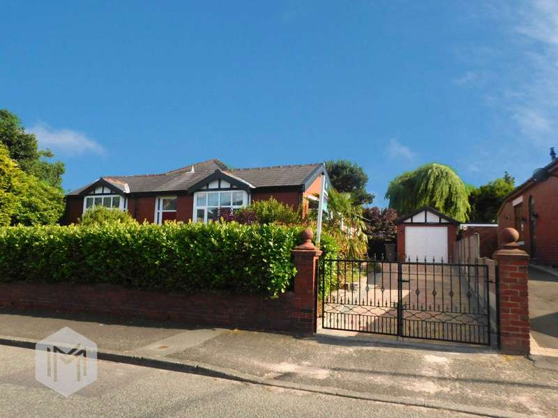 3 Bedrooms Detached Bungalow for sale in Ainsworth Road, Bury, Greater Manchester, BL8