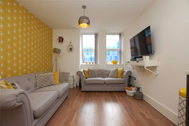 2 Bedrooms Apartment Flat for sale in Verve Apartments, 5 Mercury Gardens, Romford, RM1