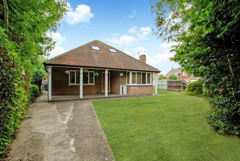 4 Bedrooms Detached Bungalow for sale in Lower Cippenham Lane, Cippenham