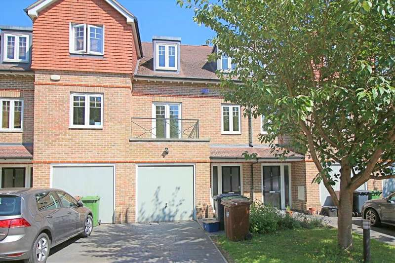 3 Bedrooms Terraced House for sale in Highbridge Close, Radlett, Hertfordshire