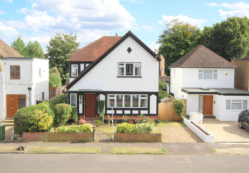 5 Bedrooms Detached House for sale in Riverfield Road, Staines-upon-Thames