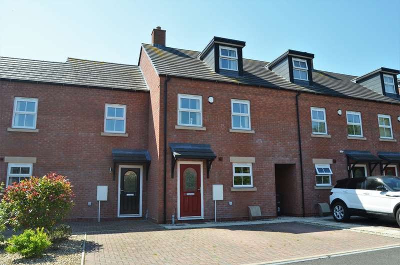 3 Bedrooms Terraced House for sale in Flaxen Field, Coseley, WV14 9RB