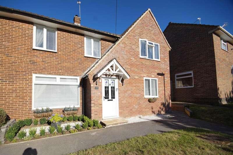 4 Bedrooms Semi Detached House for sale in Oakley Road, Bordon, Hampshire, GU35
