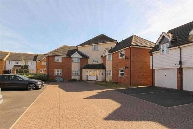 2 Bedrooms Flat for sale in Muir Place, Wickford