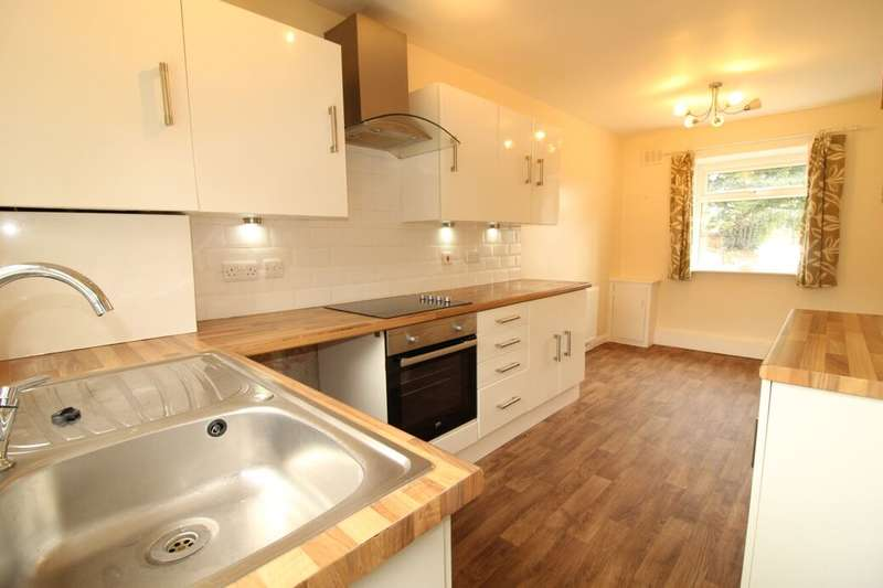 3 Bedrooms Terraced House for sale in Belgrave Road, Colne, BB8