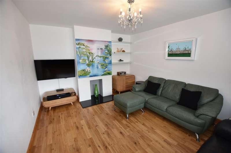 4 Bedrooms Semi Detached House for sale in Watlington Road, Harlow