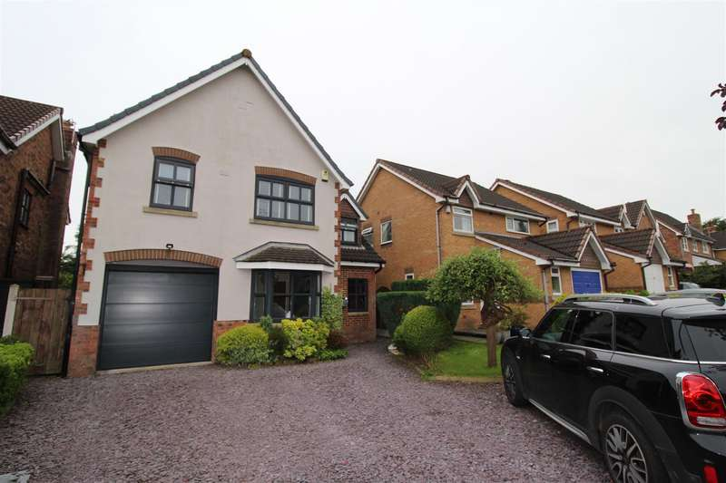 4 Bedrooms Detached House for sale in Fontwell Close, Standish, Wigan