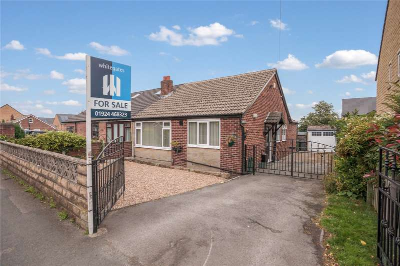 3 Bedrooms Semi Detached Bungalow for sale in White Lee Road, Batley, West Yorkshire, WF17