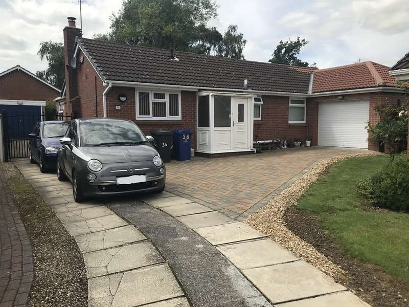 3 Bedrooms Bungalow for sale in Ash Dale Road, Doncaster, South Yorkshire, DN4