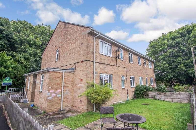 2 Bedrooms Flat for sale in Sidbury Hill Avenue, Tidworth, SP9