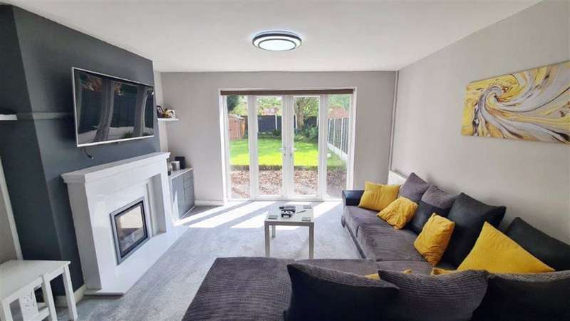 3 Bedrooms Terraced House for sale in Cypress Road, Droylsden, Manchester