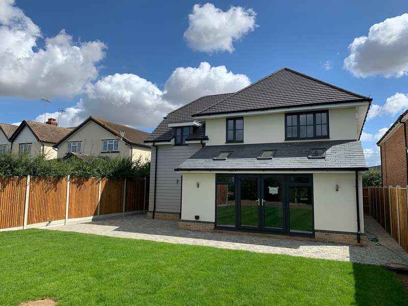 4 Bedrooms Detached House for sale in Chelmsford Road, Felsted