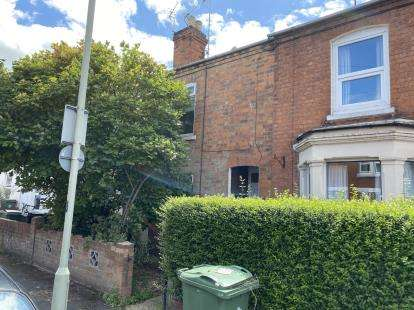 2 Bedrooms Terraced House for sale in Linden Road, Gloucester, Gloucestershire