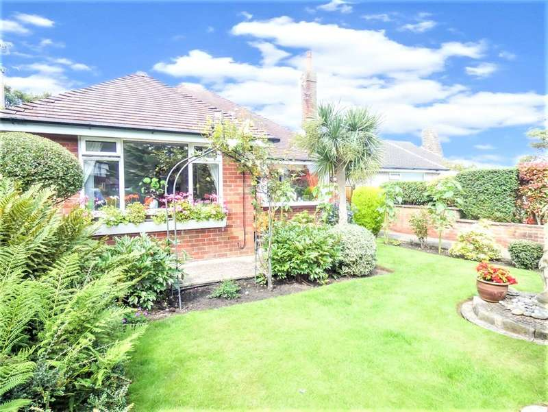 2 Bedrooms Detached Bungalow for sale in Devonshire Road, Bispham, Blackpool